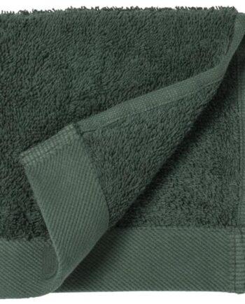 dark green towel