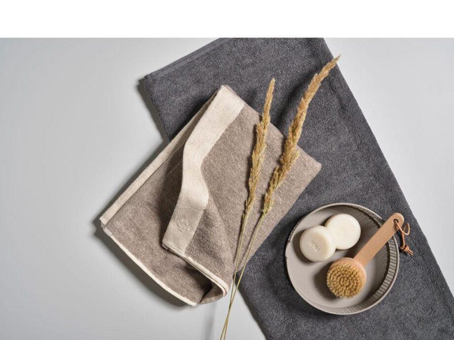inu towel sand