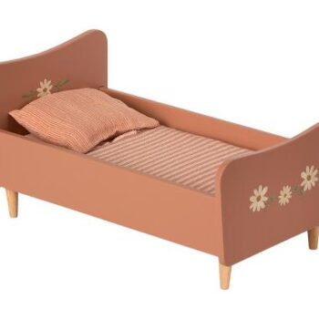 wooden bed maileg rose